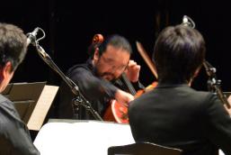 チェロ近藤浩志のソロ、時に歌より雄弁です。